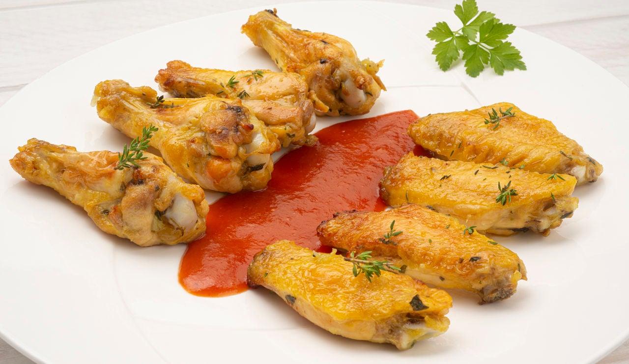 """Receta """"fácil y sin trabajo"""", de Karlos Arguiñano: alitas de pollo asadas con albahaca"""
