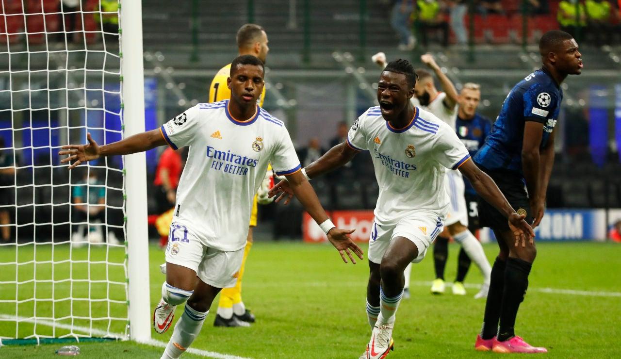 Rodrygo celebra su gol ante el Inter de Milán en San Siro