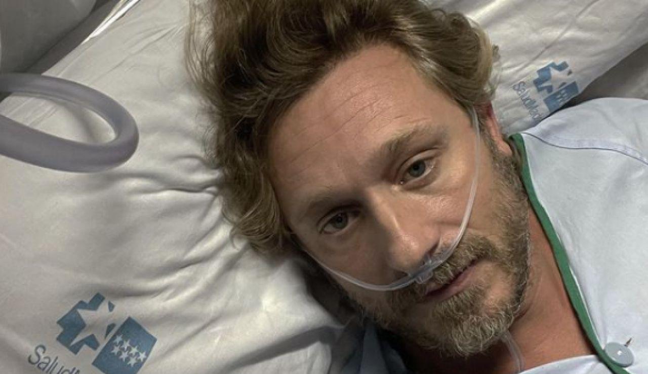 """El """"infierno"""" del cantante Juan Peña, ingresado por coronavirus: """"Si hubiese tenido las dos dosis, no estaría así"""""""