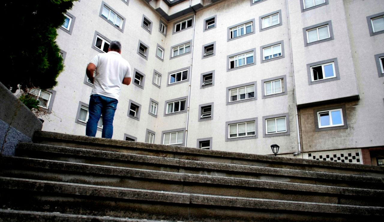 Vista general hoy jueves de la calle Juan Darriba de A Coruña, de la panadería donde trabajaba la mujer