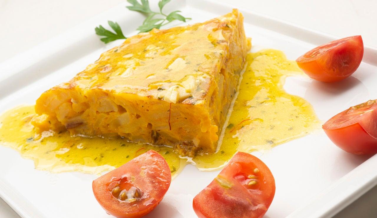 Receta de tortilla de patatas en salsa, de Karlos Arguiñano