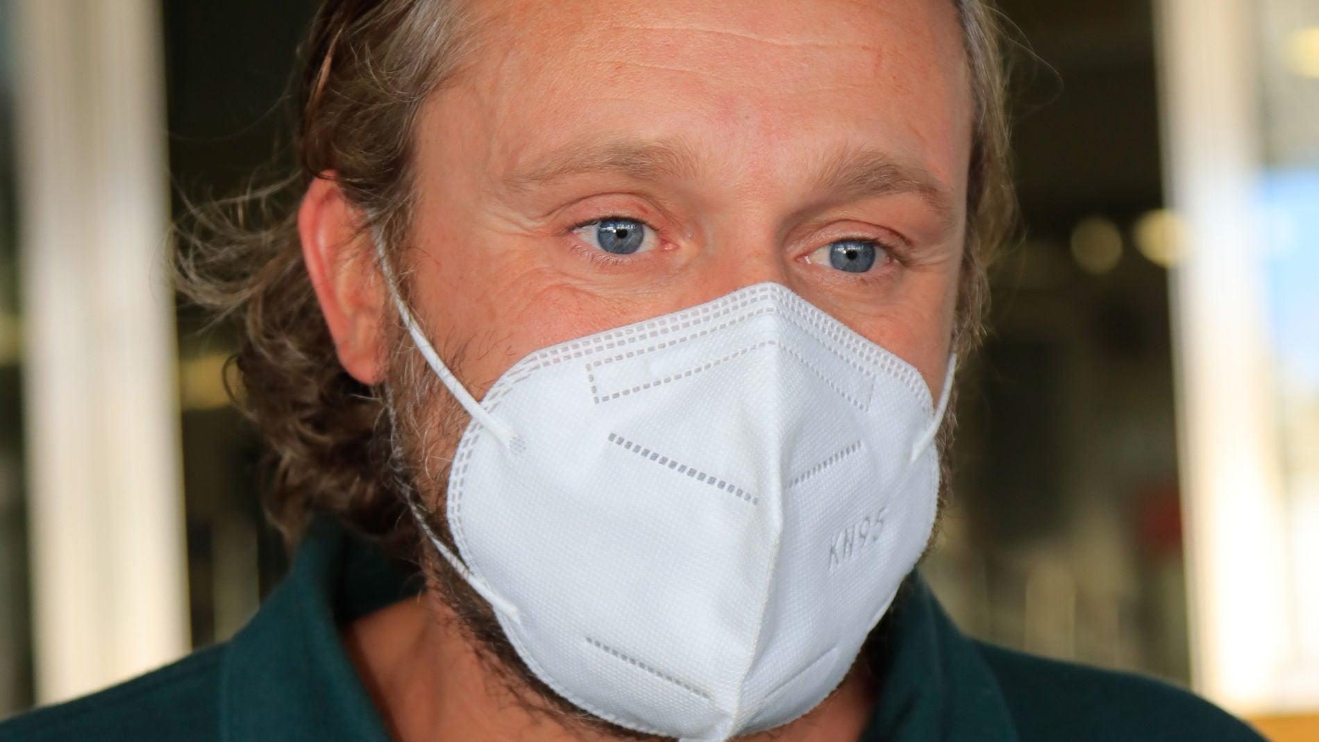 Juan Peña recibe el alta hospitalaria