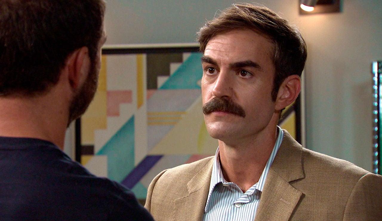 Raúl acusa a Fran de espiar sus movimientos