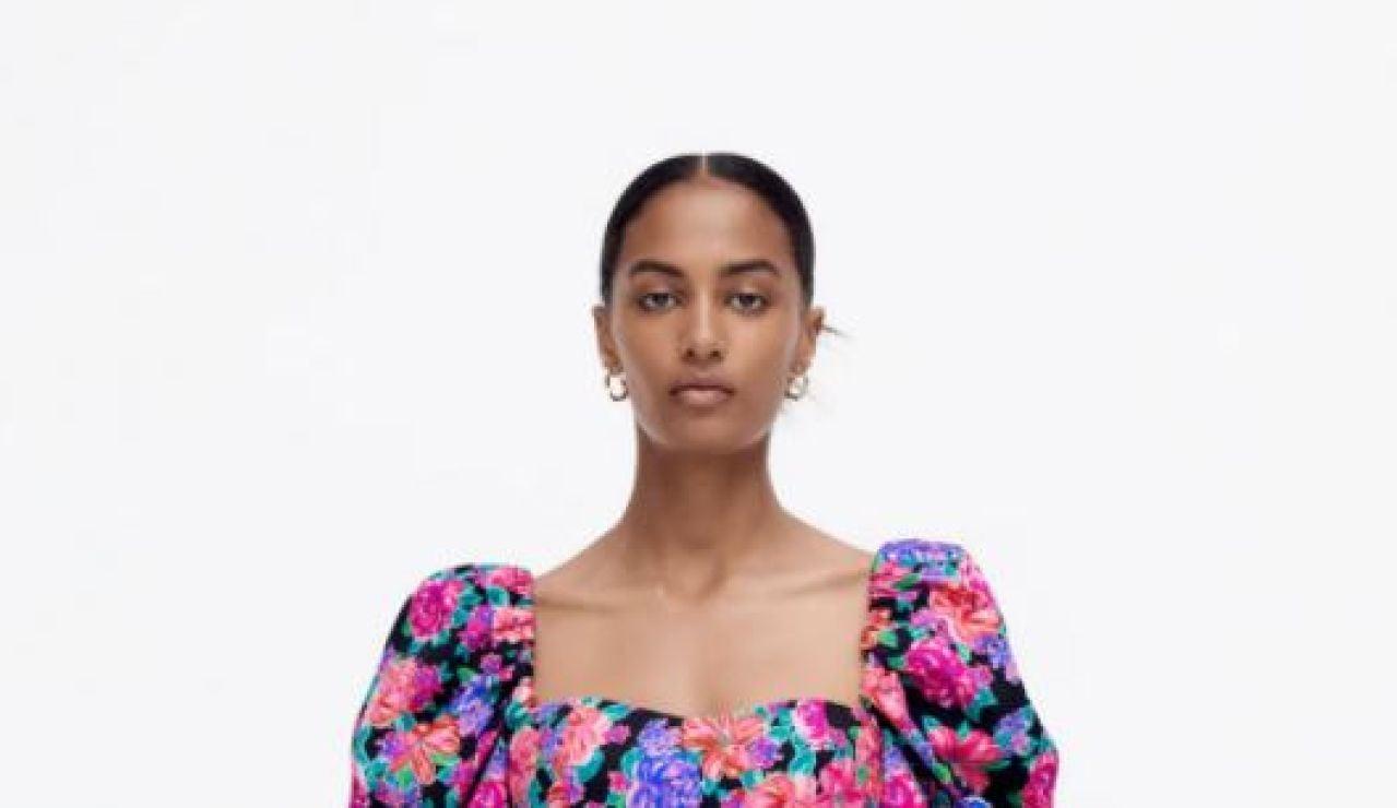El vestido de flores de menos de 30 euros de Zara con el que dar color al otoño