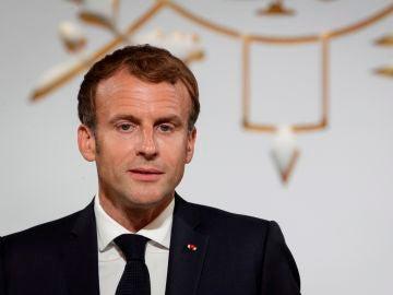 El código QR de vacunación contra el Covid-19 de Emmanuel Macron se filtra en redes sociales