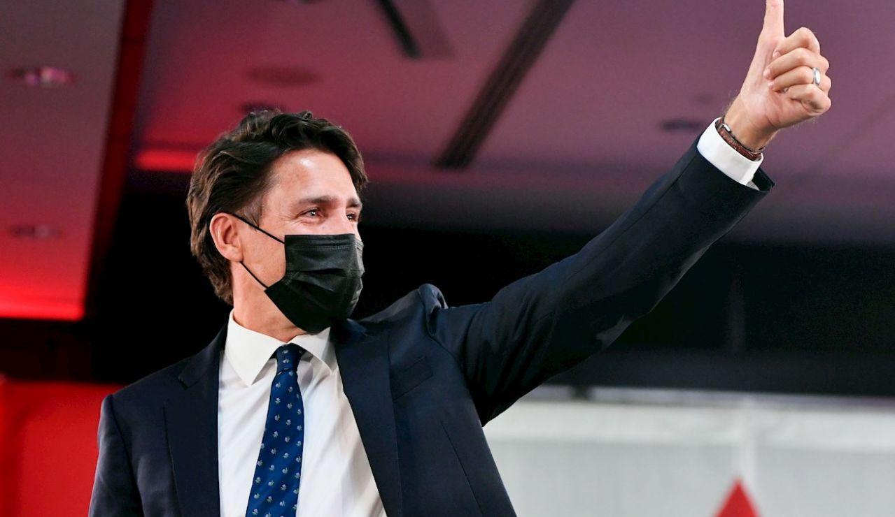 El primer ministro de Canadá y líder del Partido Liberal canadiense, Justin Trudeau, fue registrado este martes, al celebrar la victoria de su partido en las elecciones generales en su país, en Montreal (Quebec, Canadá).