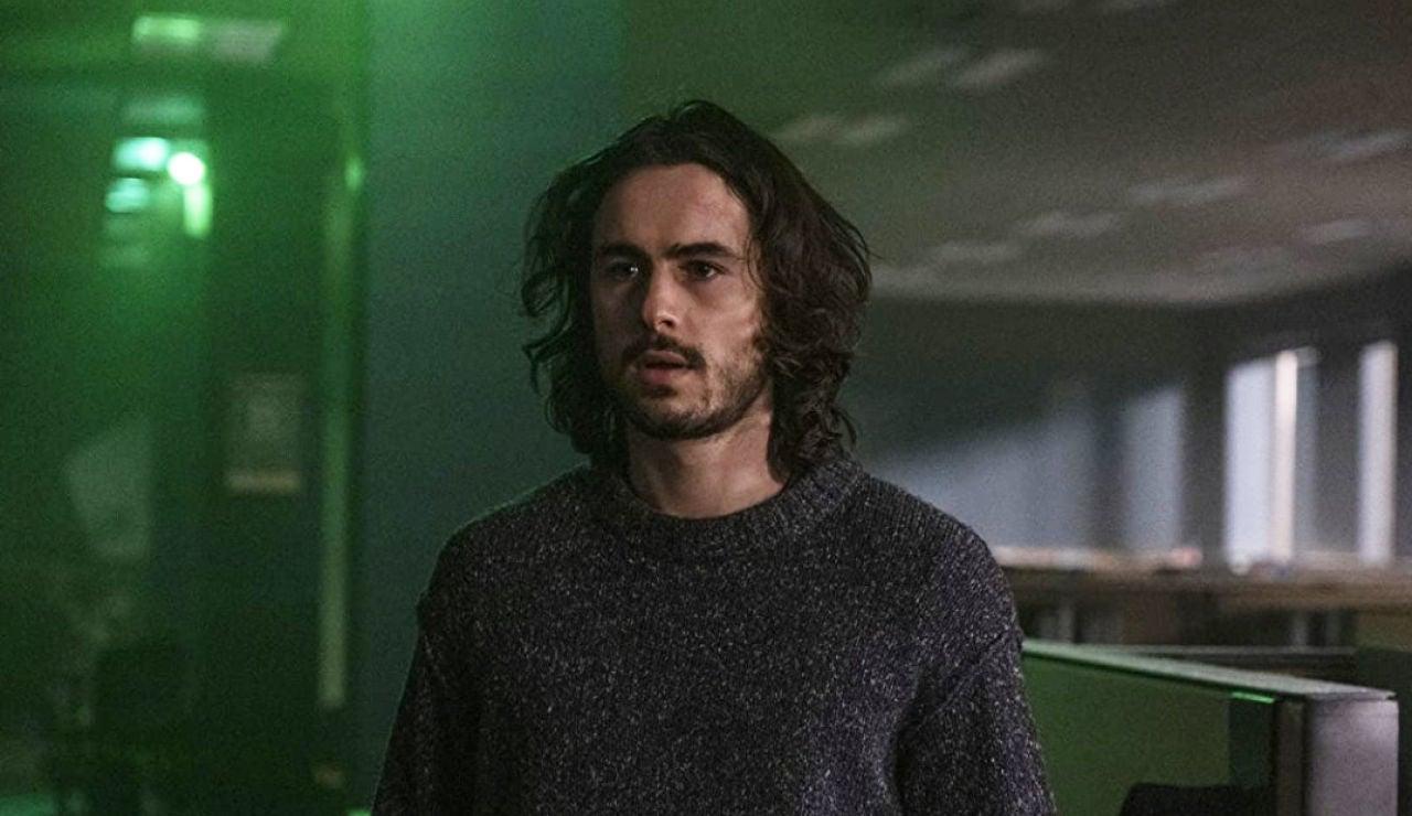 Ben Schnetzer en 'Y: El último hombre'