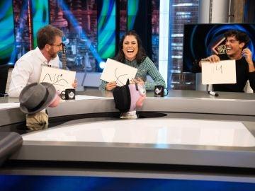 ¡Qué precisión! Óscar Casas y Blanca Suárez compiten en un juego contra el reloj