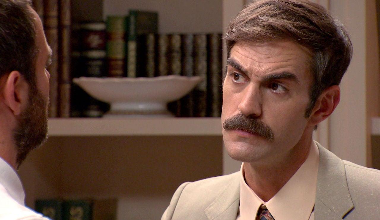 Raúl sorprende a Fran en una situación sospechosa, ¿qué esconde su primo?