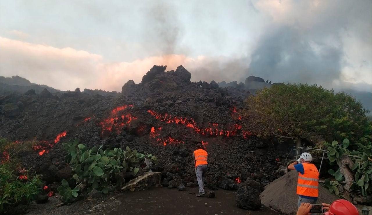 Técnicos del Instituto Volcanológico de Canarias (Involcán)