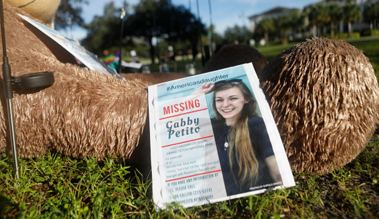 La autopsia de la 'influencer' Gabby Petito demuestra que fue asesinada mientras su novio sigue huido