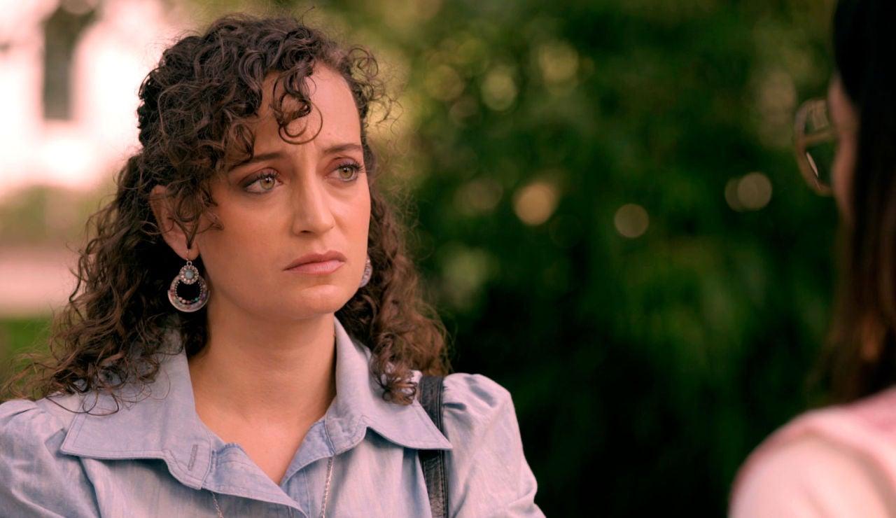 Inés descubre quién es la misteriosa Carolina, ¿destrozará las ilusiones de Guillermo contándole la verdad?