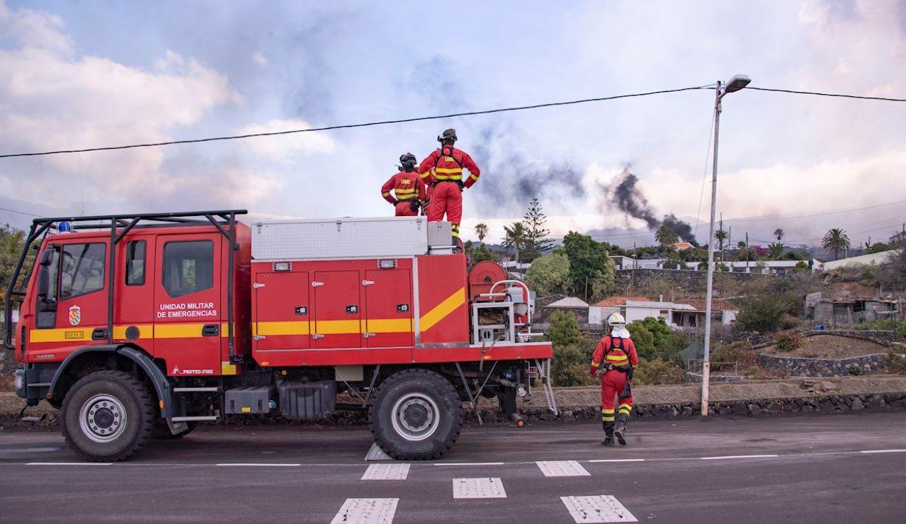 Efectivos de la Unidad Militar de Emergencias en La Palma