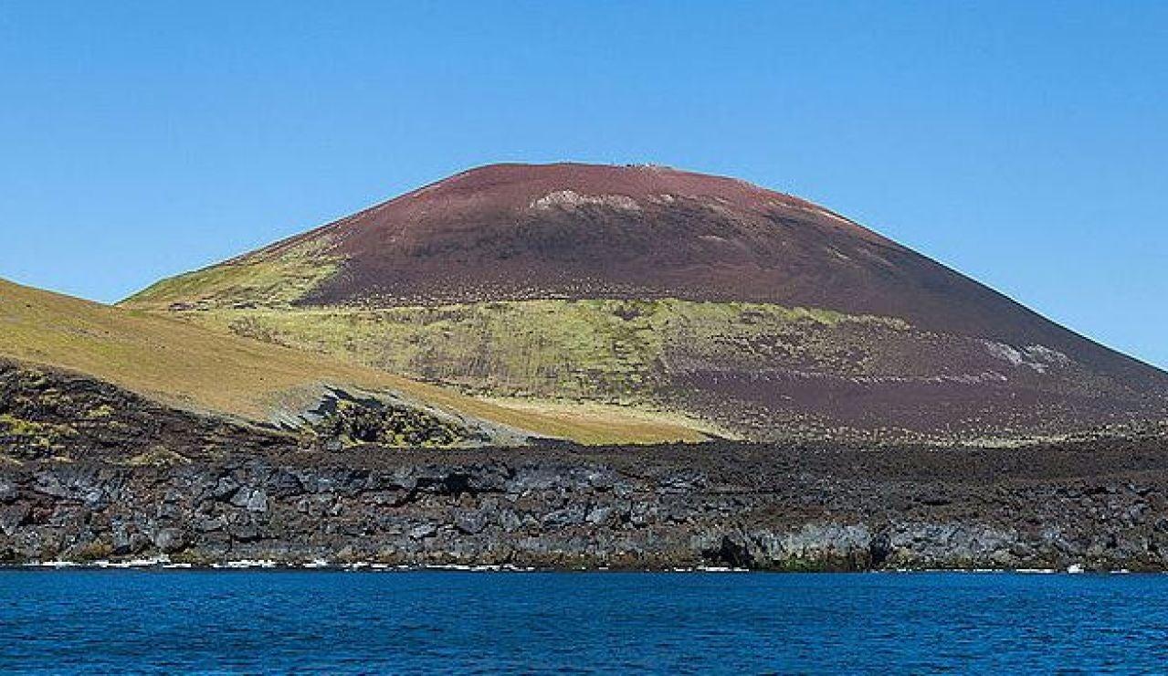 Los islandeses detuvieron la lava del volcán Eldfell con agua de mar en 1973
