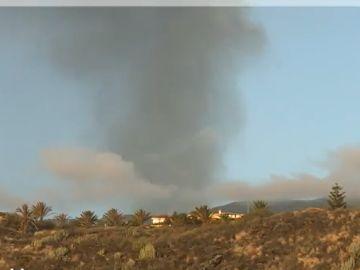 La nube del volcán de La Palma ya se ve desde Ibiza y Murcia
