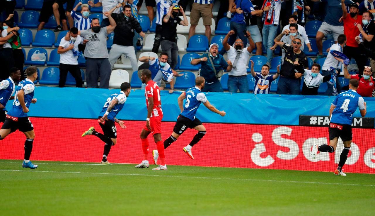El Atlético de Madrid sigue sin encontrarse y cae ante el Alavés en Mendizorroza