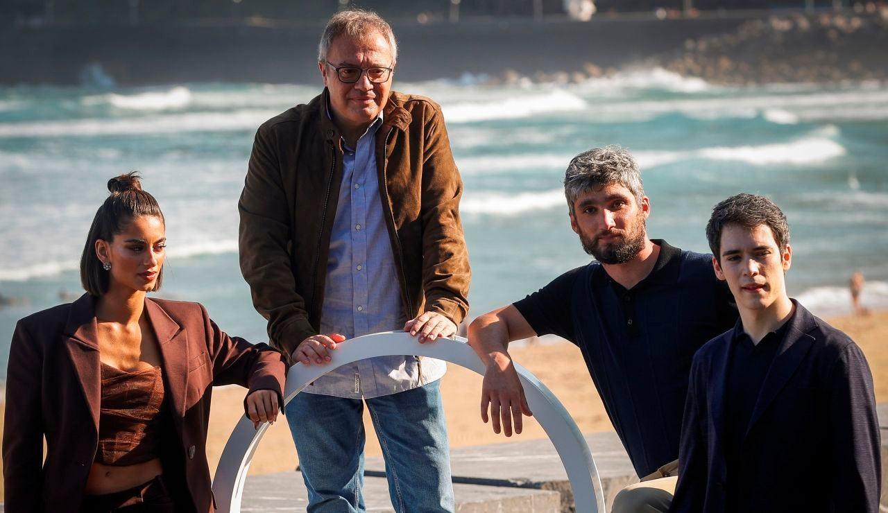 Director y actores película 'Las leyes de la frontera'