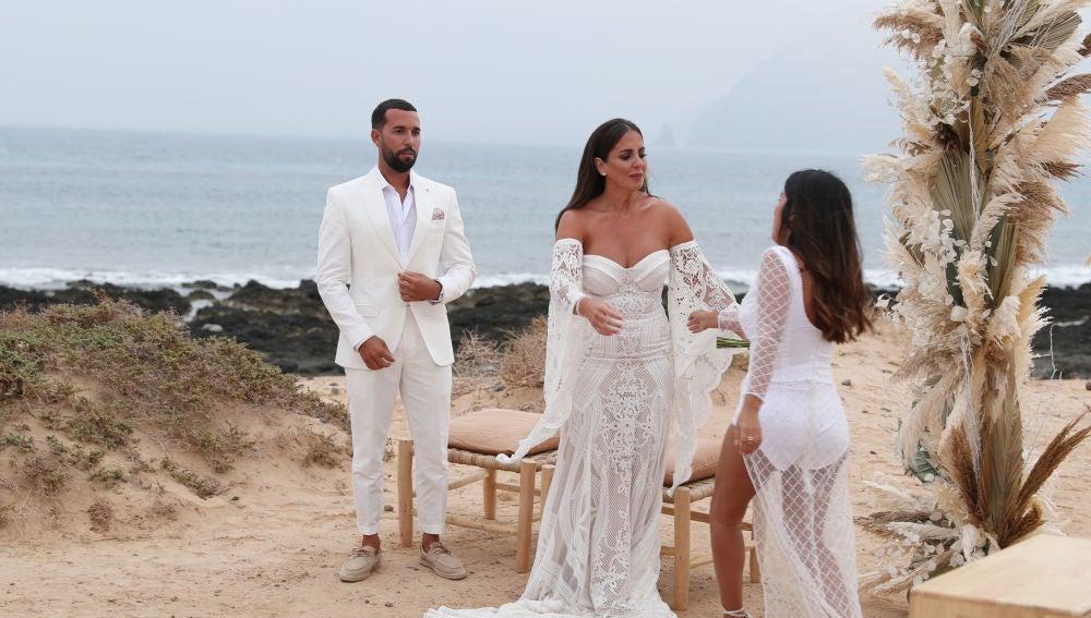 Anabel Pantoja e Isa Pantoja en la boda