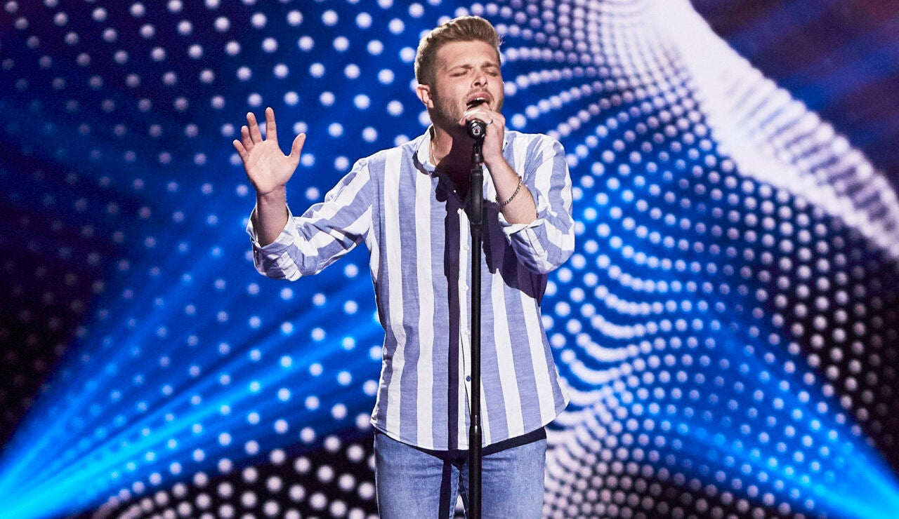 Miguel Moreno canta 'Aunque me cueste la vida' en las Audiciones a ciegas de 'La Voz'