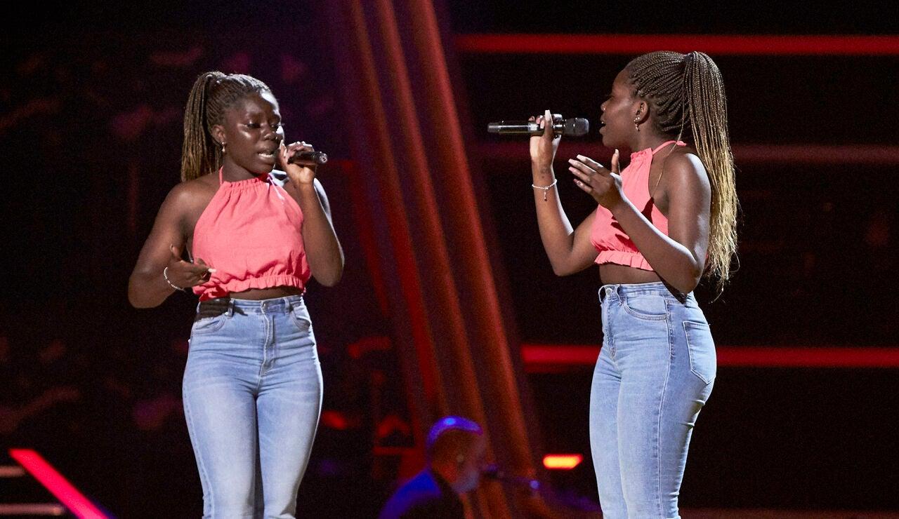 Aurora y Caridad Napi cantan 'Tusa' en las Audiciones a ciegas de 'La Voz'