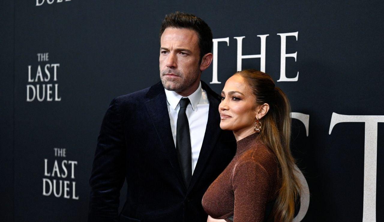 El comentado y tímido beso de Jennifer Lopez y Ben Affleck en la alfombra roja