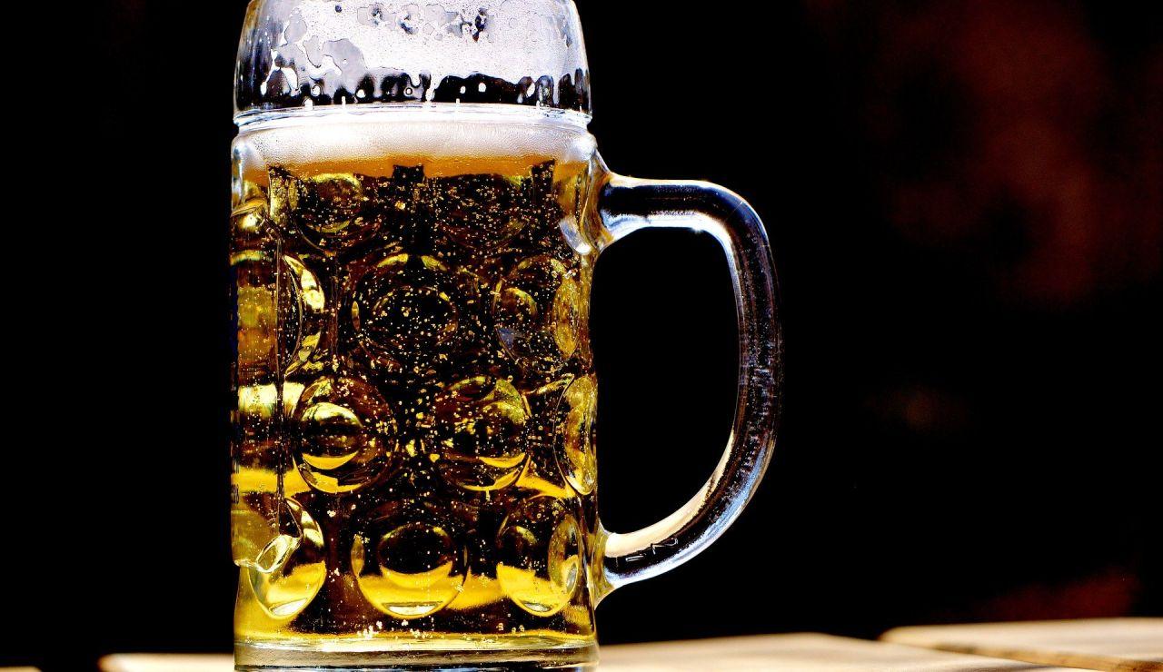 Una nueva dieta de moda afirma que es posible perder peso bebiendo cerveza