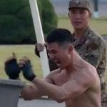 Demostración en la Exposición de Desarrollo de la Defensa emitida por la televisión norcoreana