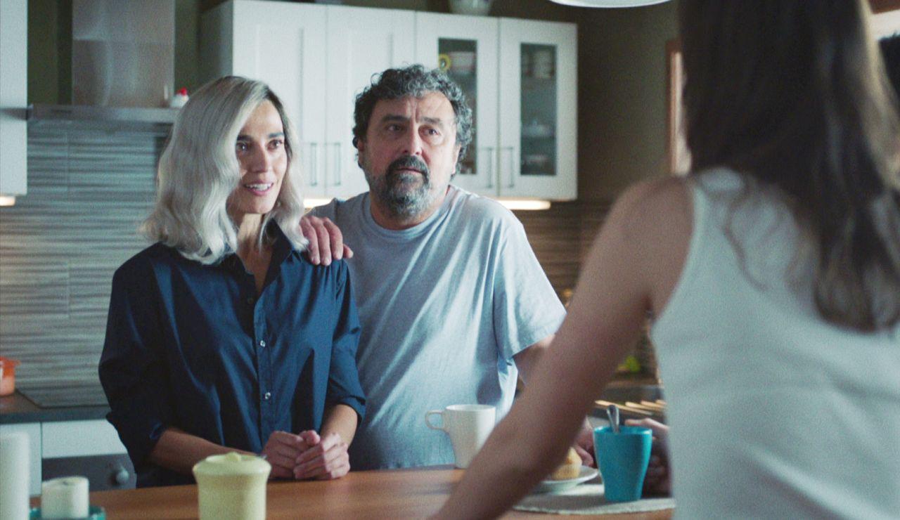 Dobles parejas en el desayuno: Paco presenta a María y descubre el secreto de Rober