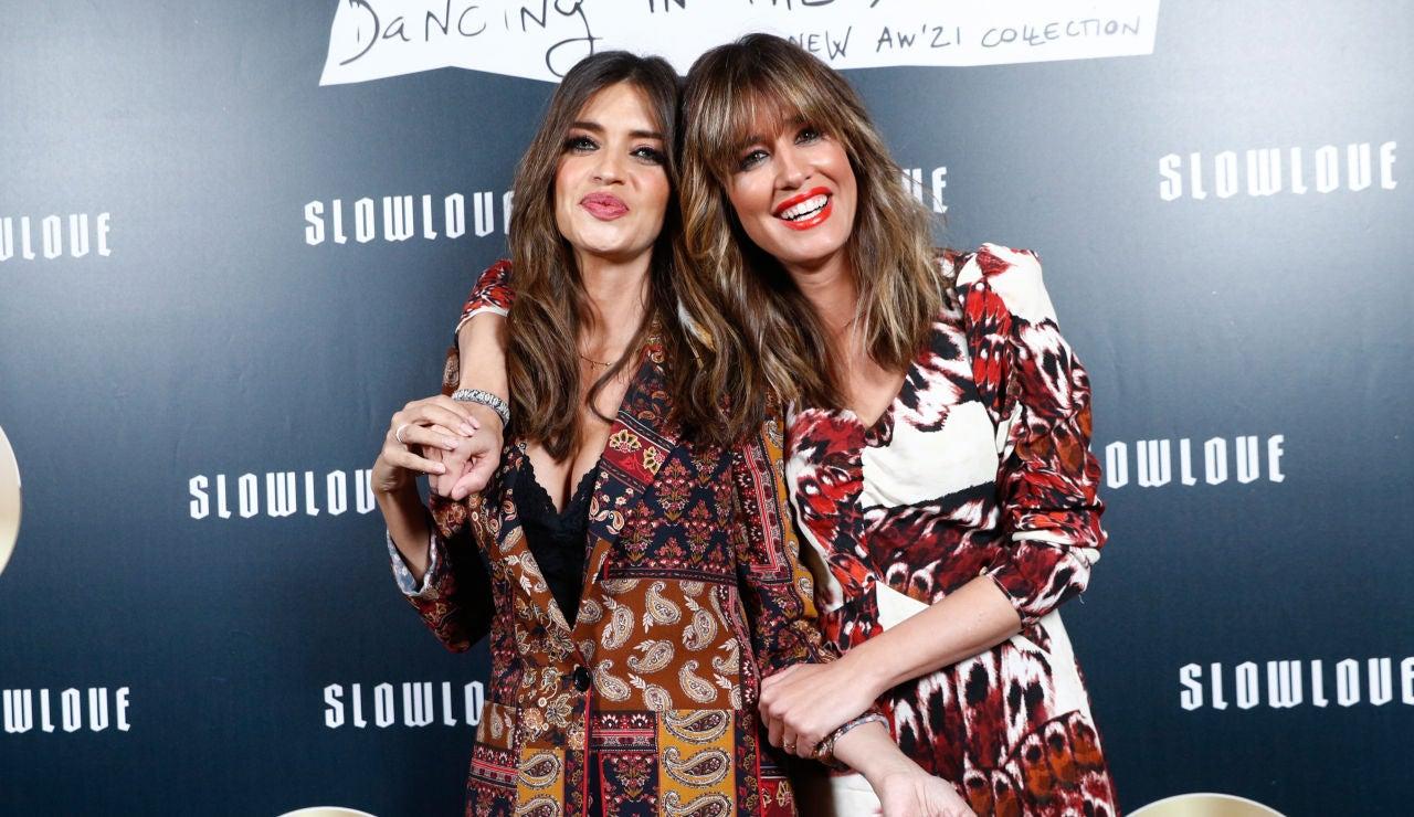 Sara Carbonero e Isabel Jiménez en la presentación de su nueva colección