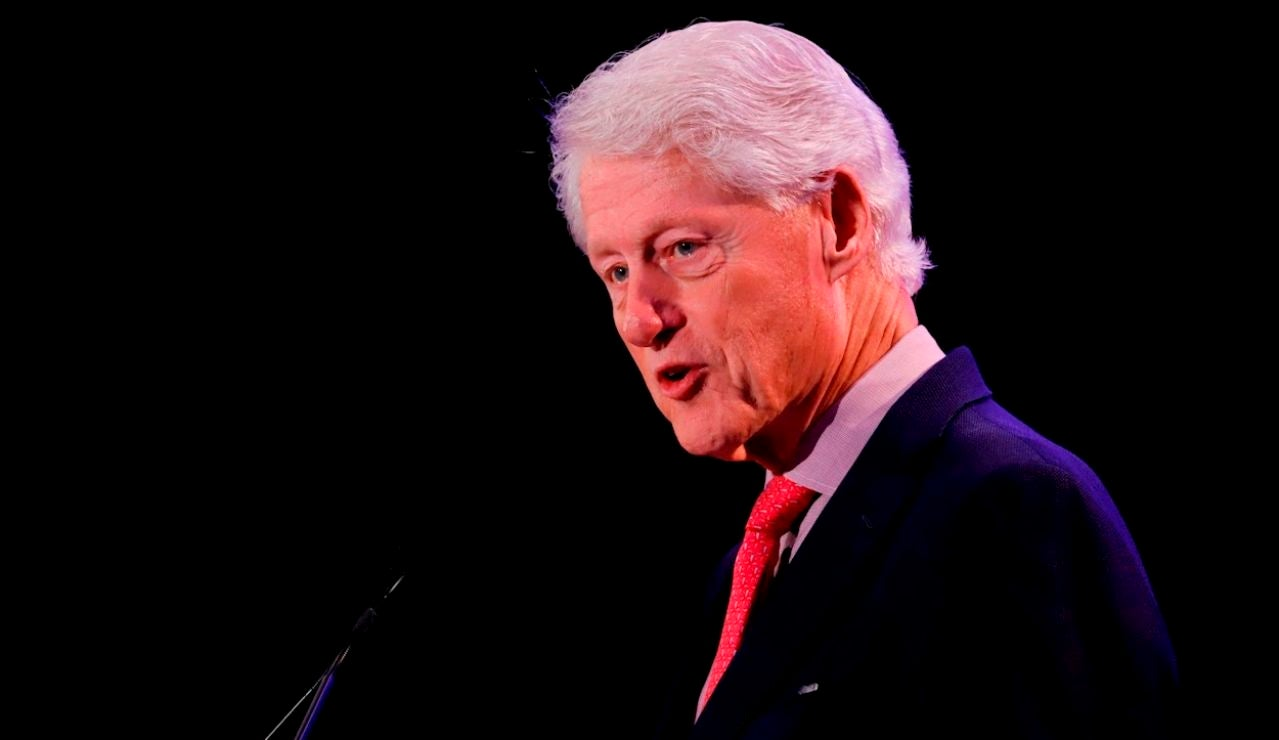 Fotografía de archivo del 18 de febrero de 2020 que muestra al expresidente estadounidense Bill Clinton durante un evento de la Clinton Fundation en San Juan (Puerto Rico)