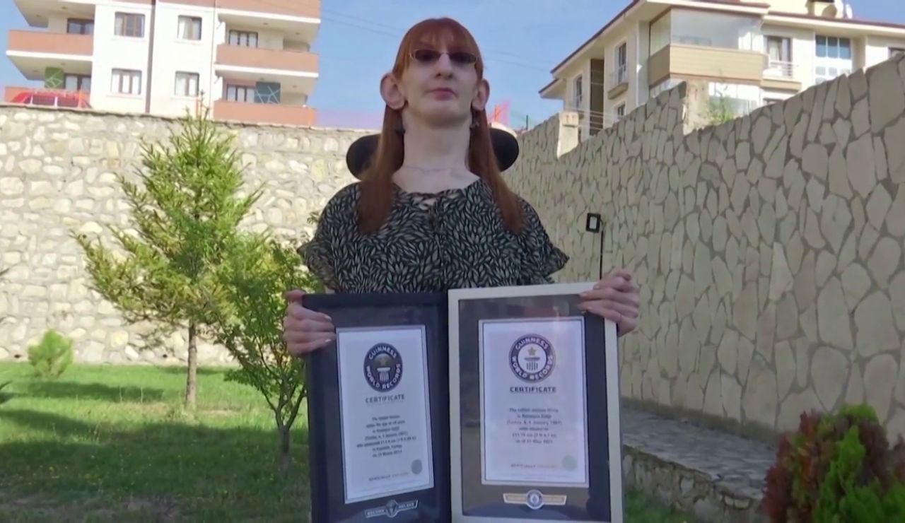 Esta es la mujer más alta del mundo