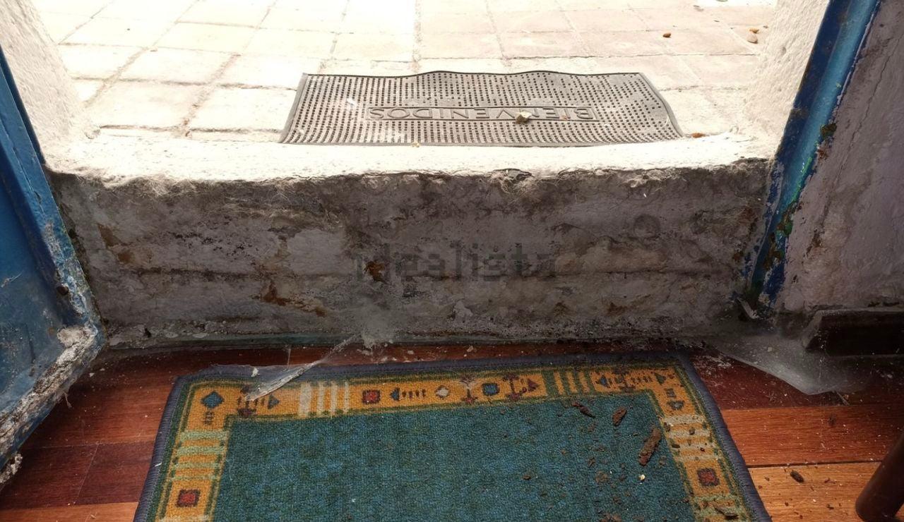 La entrada de este piso anunciado en Idealista
