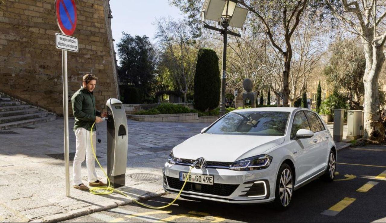 El repunte de ofertas de trabajo asociados a los coches eléctricos, perfiles y cómo conseguir un empleo