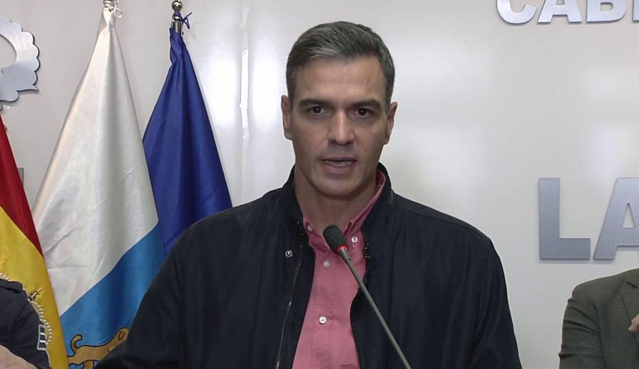 Pedro Sánchez anuncia una modificación presupuestaria para que las ayudas lleguen antes a La Palma