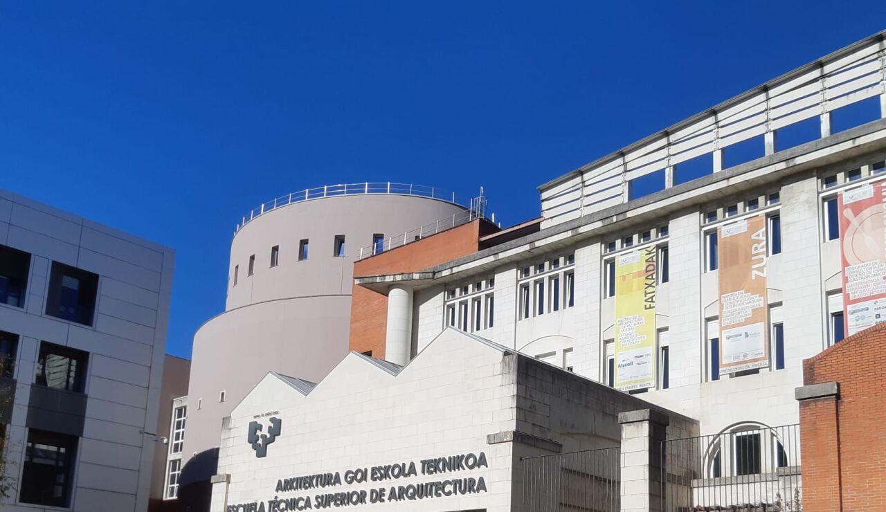 Denuncian a un profesor de la facultad de arquitectura del País Vasco por mostrar sus genitales a un grupo de alumnos