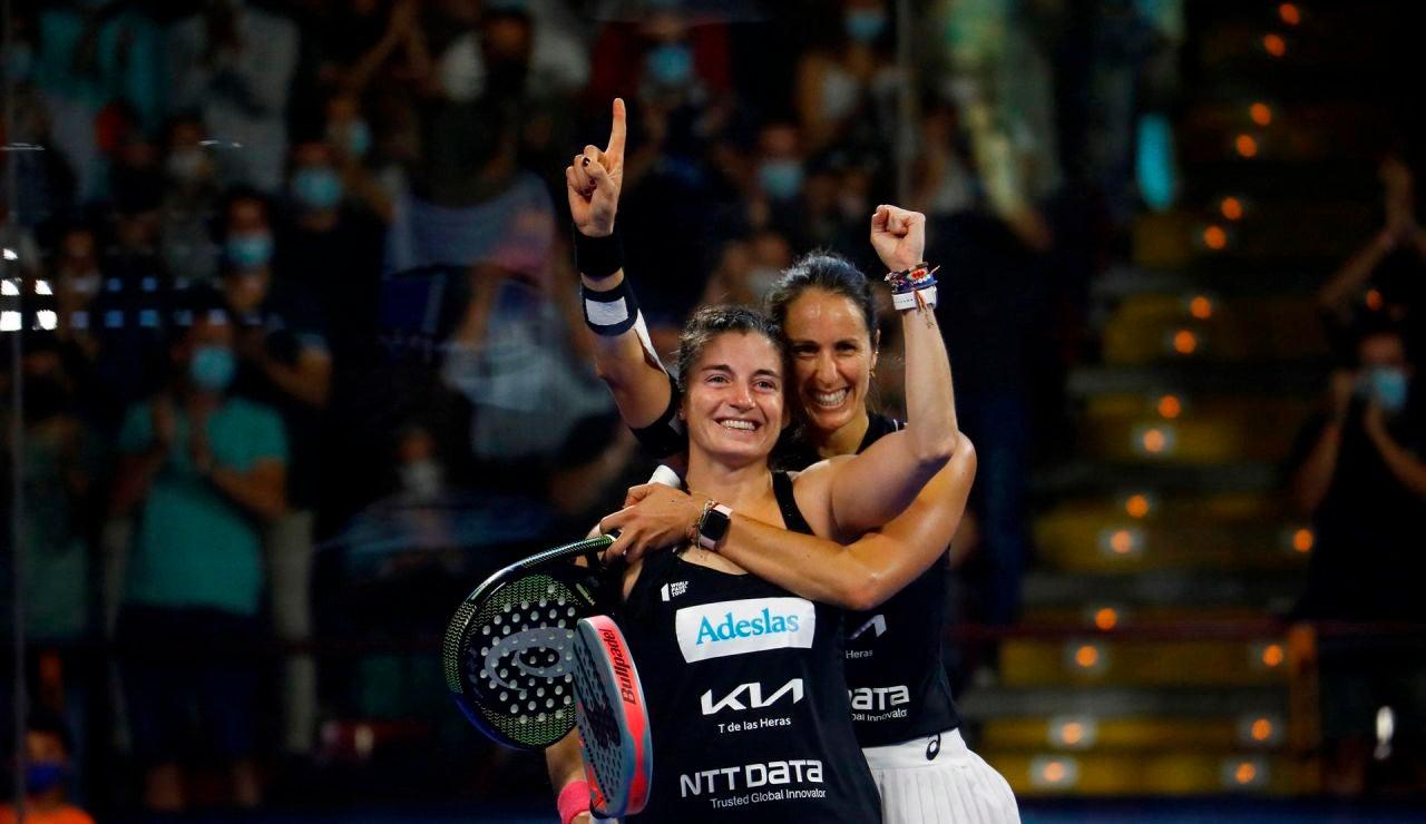 La jugadoras Gemma Triay (i) y Alejandra Salazar (d)