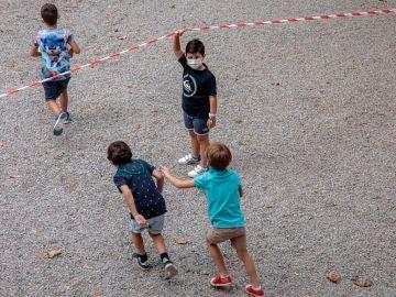 Carolina Darias insiste en el consenso para poner fin a las mascarillas en el recreo