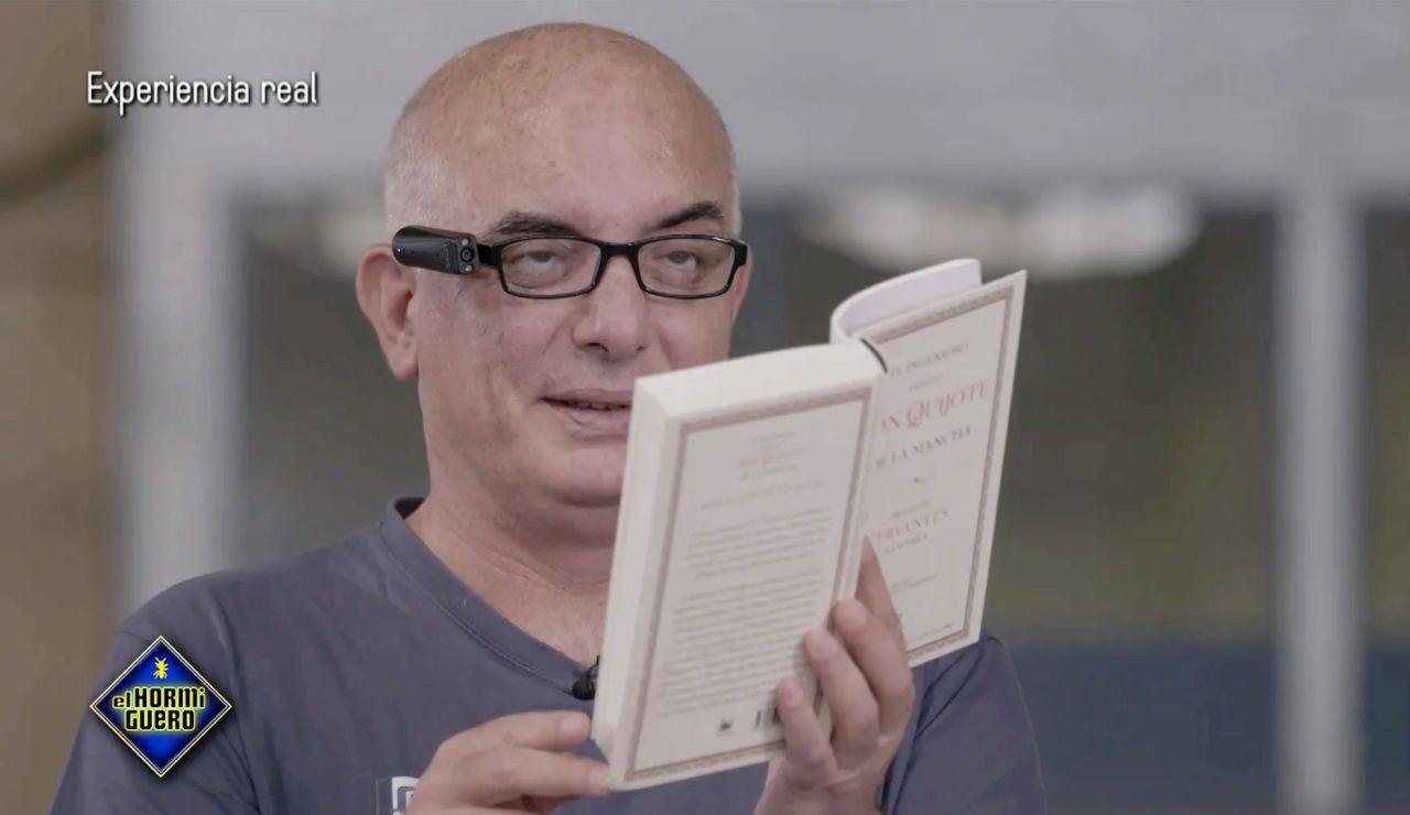 'El Hormiguero 3.0' cambia la vida de un grupo de invidentes con un dispositivo que reconoce textos, rostro y colores