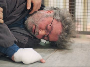 Cunde el pánico en Safiye y Gülben: se encuentran a Haluk inconsciente