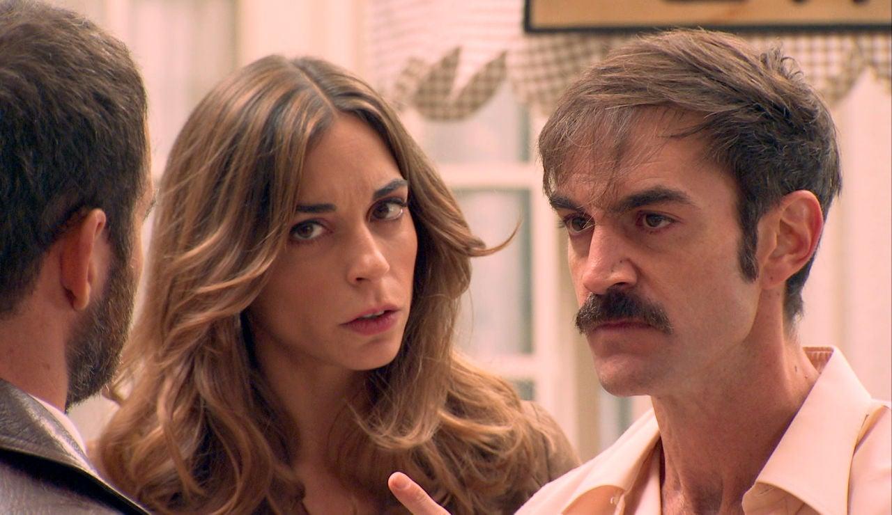 """Raúl, ebrio, se encara con Fran en plena verbena: """"Maldita sea la hora en que decidiste volver"""""""