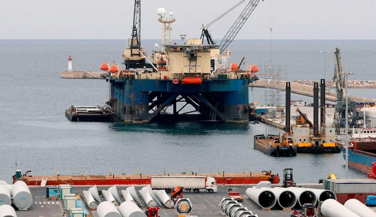 Plataforma de construcción de un gasoducto en una imagen de archivo.