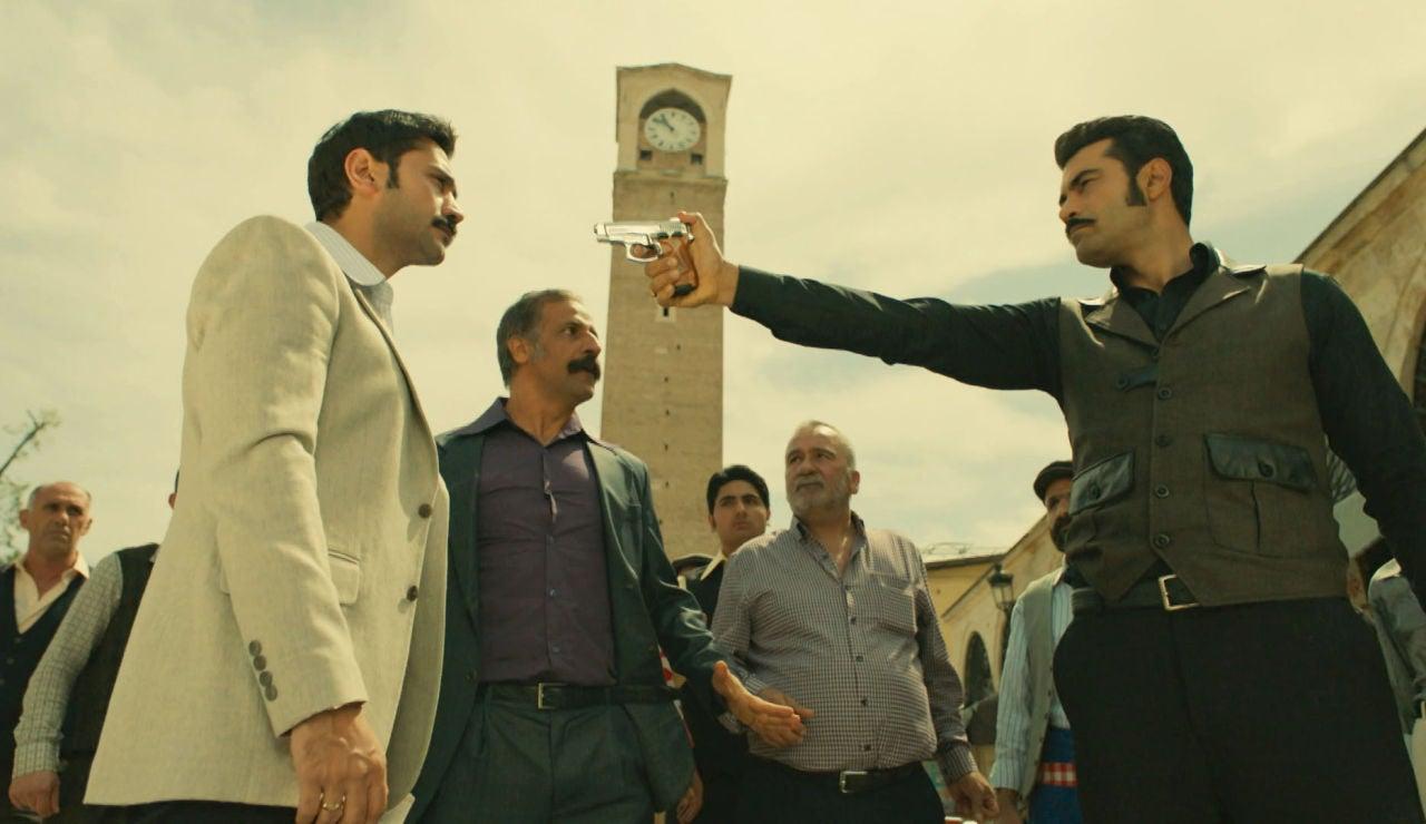 """Demir se enfrenta a Yilmaz: """"¿Cómo te atreves a burlarte de mí?"""""""