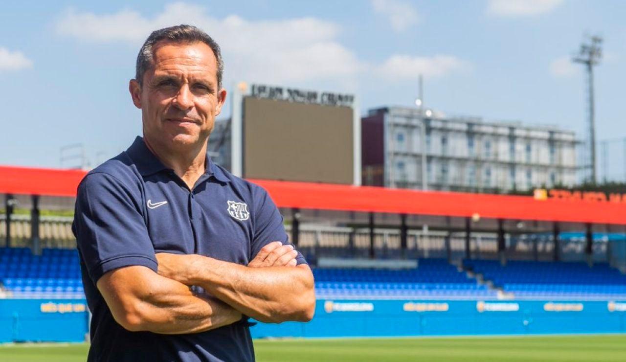 Sergi Barjuan, el entrenador interino antes de la llegada de Xavi Hernández al Barcelona