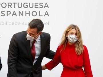 El gesto de cariño entre Pedro Sánchez y Yolanda Díaz en la cumbre hispano-portuguesa en Truijillo