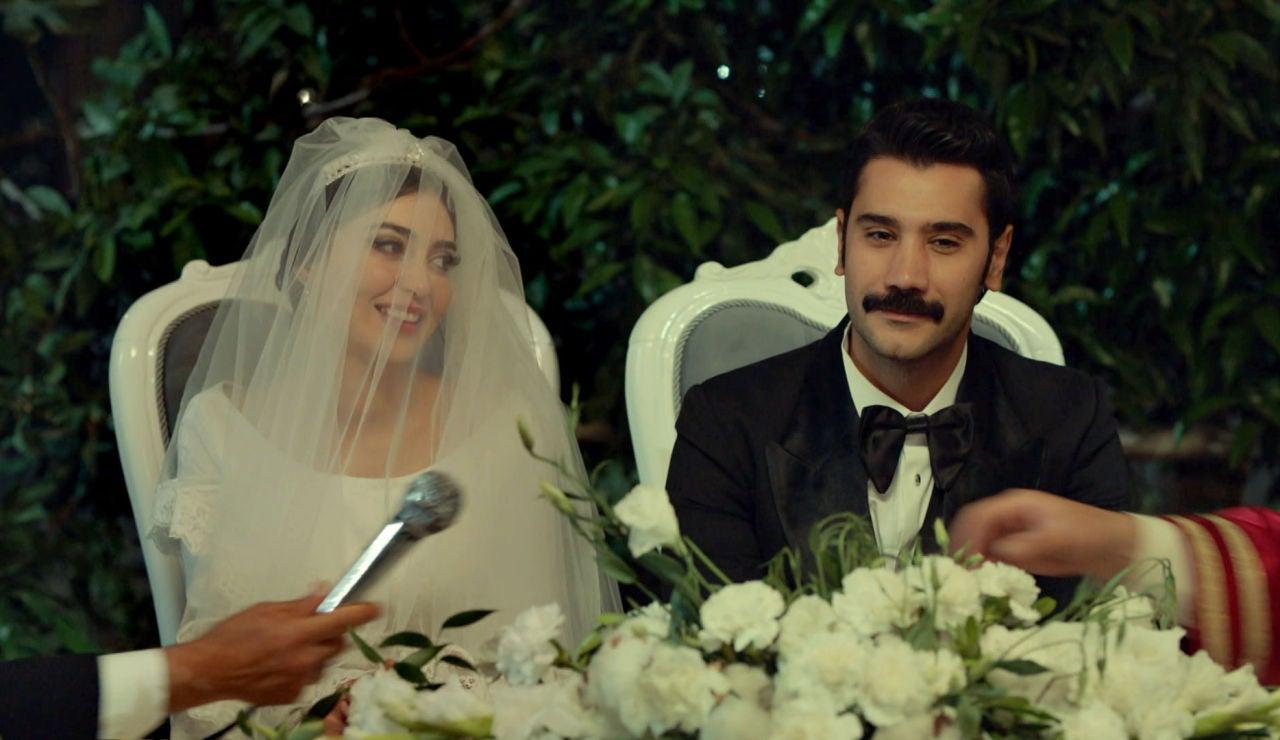 Yilmaz, convencido de que es lo mejor, se casa con Müjgan